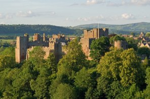 Ludlow_Castle_from_Whitcliffe,_2011